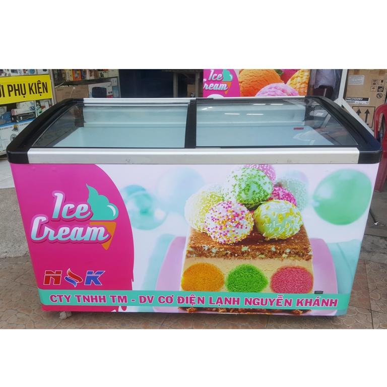 Tủ đông kem Liebherr 400 lít (kính cong)