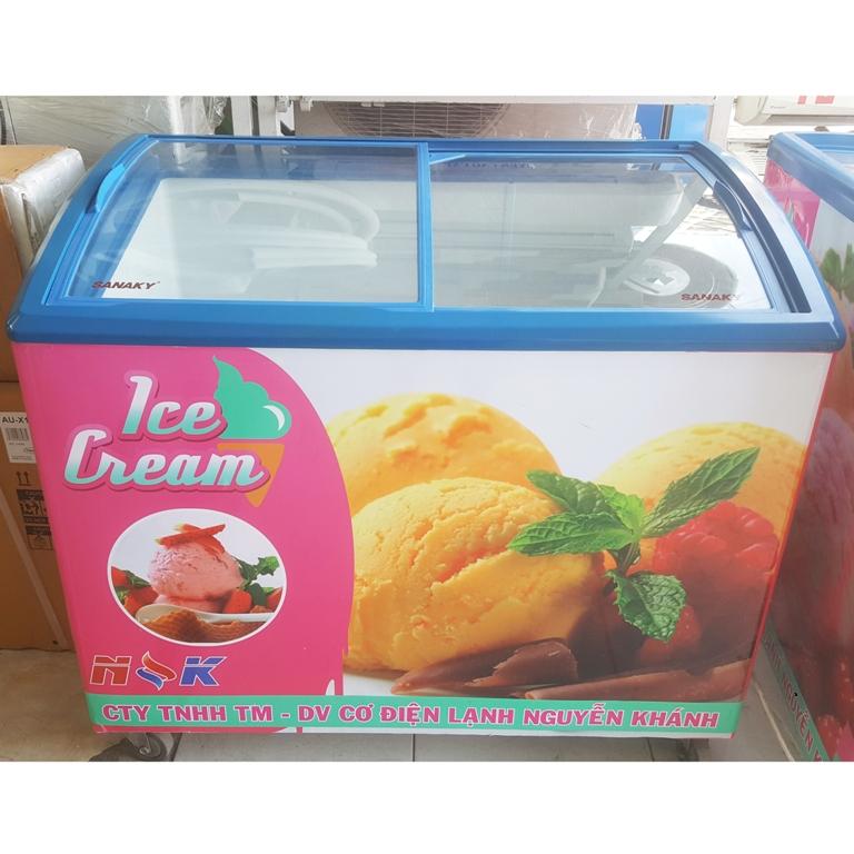 Tủ đông kem Sanaky 300 lít (kính cong)