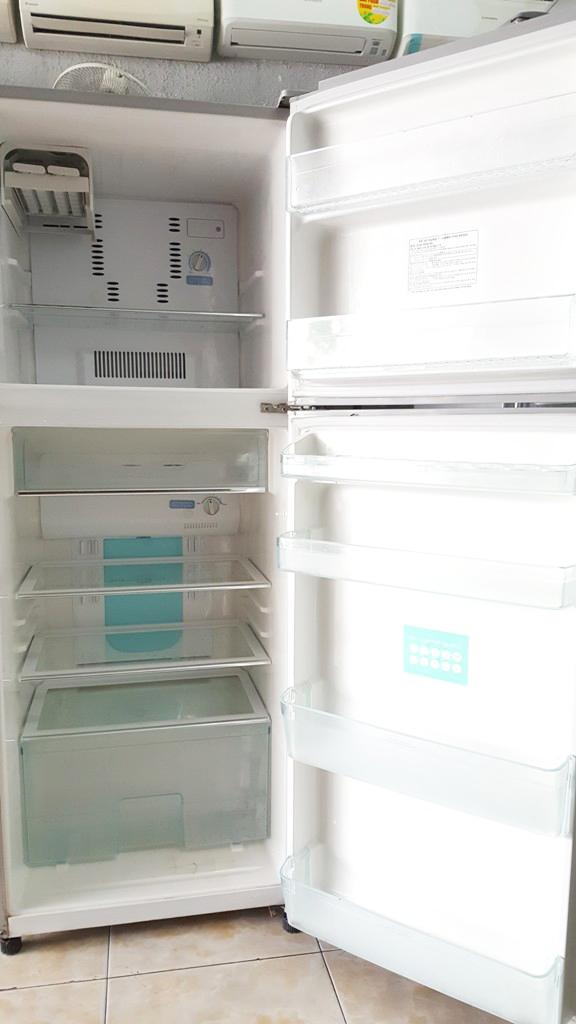 Tủ lạnh Toshiba GR-M32VPD 280 lít