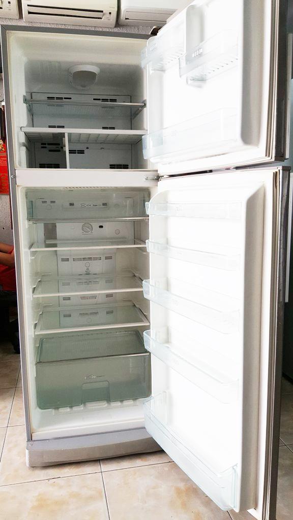 Tủ lạnh Electrolux ER3606DT SX 330 lít