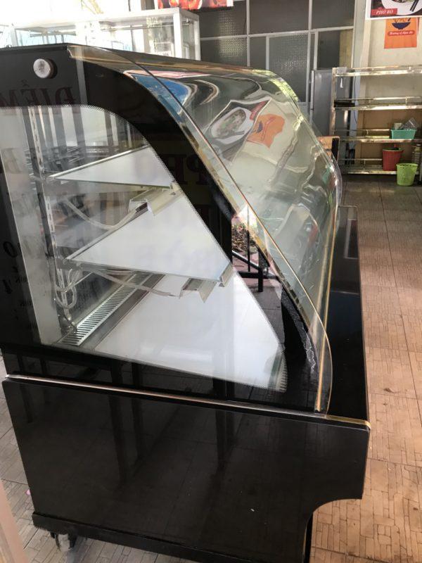 Tủ mát trưng bày kính cong