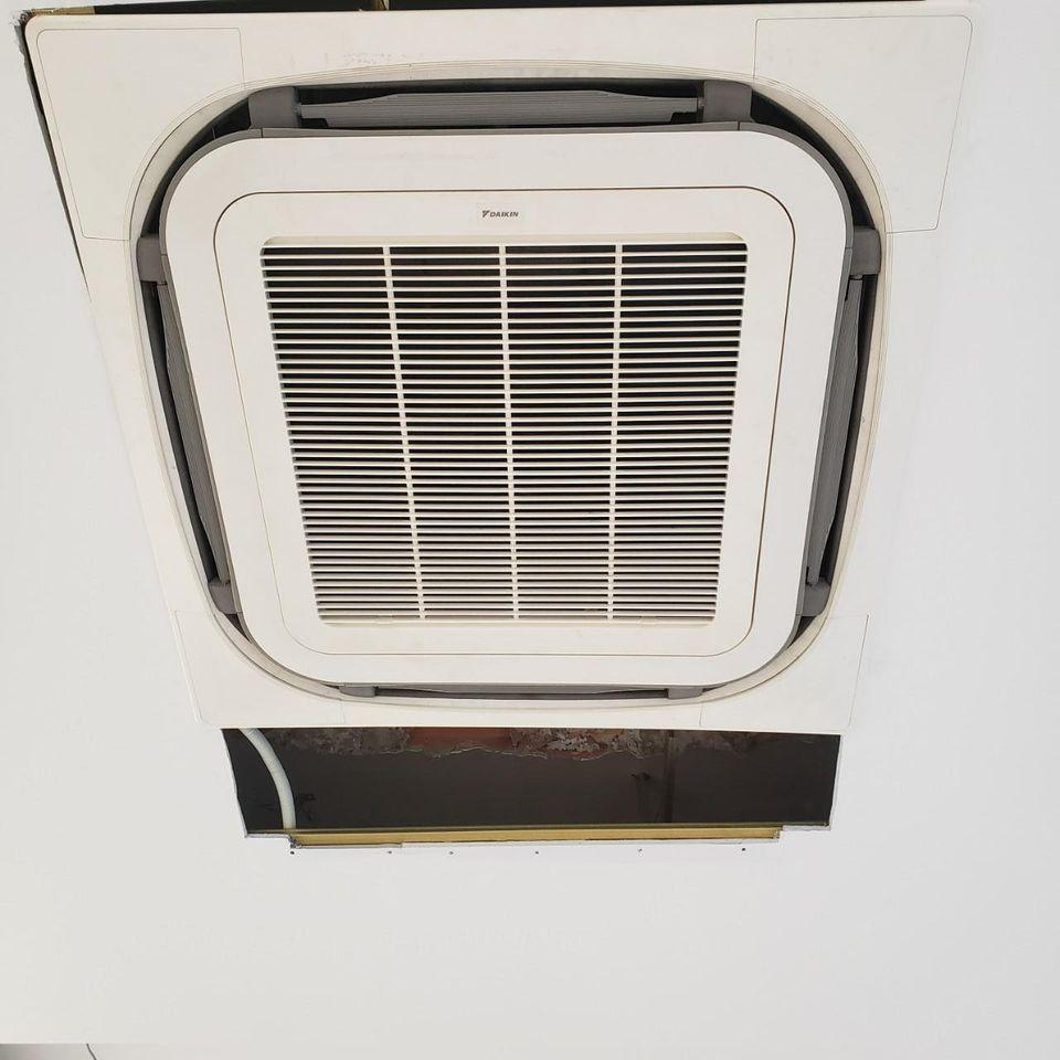 Lắp đặt máy lạnh âm trần Daikin chính hãng tại TP.HCM
