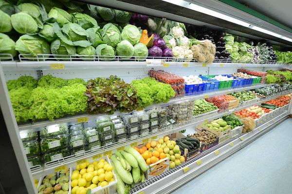 Có nên dùng tủ mát không cánh cho siêu thị?