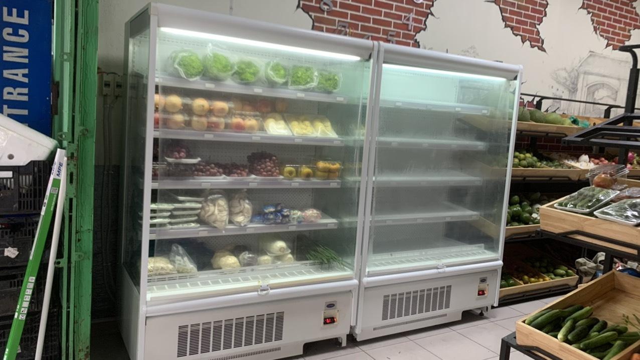 Giao tủ mát trưng bày siêu thị Carrier cửa hàng trái cây Quận Bình Thạnh