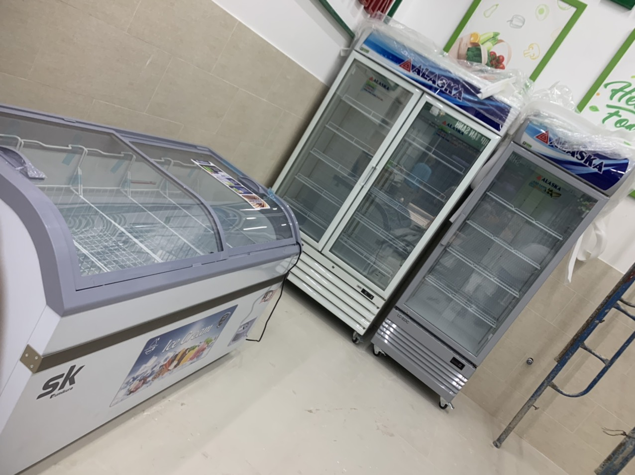 Cung cấp tủ đông, tủ mát Alaska, Sumikura cho siêu thị Quận 2